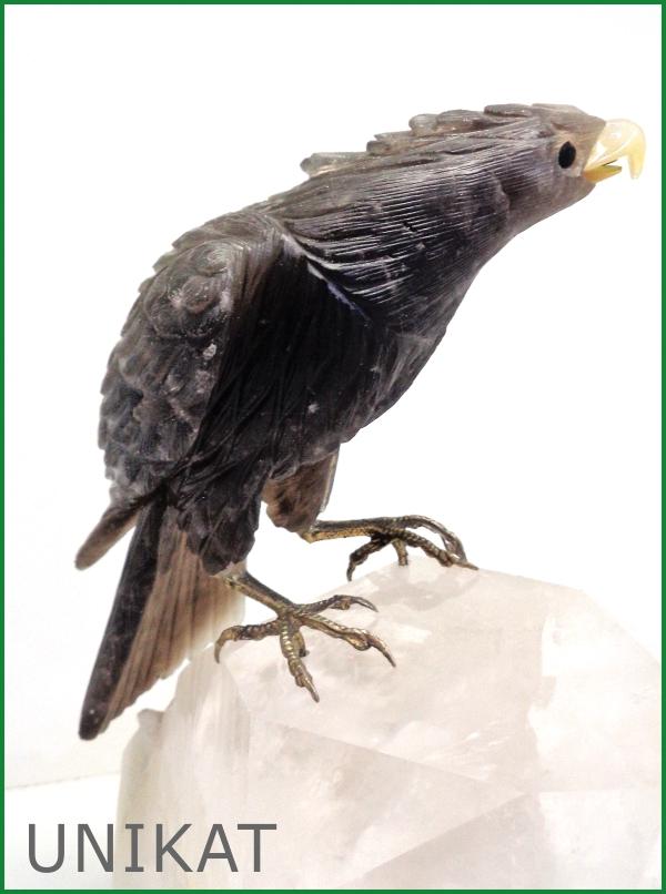 Edelsteinschnitzerei - Adler auf Bergkristall
